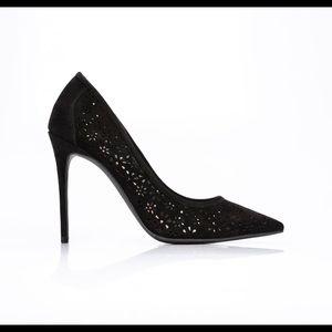 Black StilettoPump Style